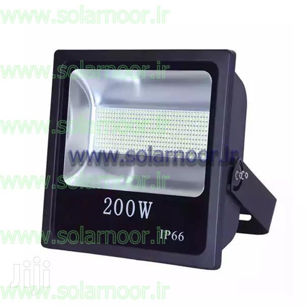 فروش لامپ ال ای دی نمانور در سه طیف رنگی آفتابی، مهتابی و سفید یخی به بازار عرضه می شود. البته مدل های تزئینی و ریسه ای لامپ ال ای دی نمانور در سایر رنگ ها و به صورت RGB وجود داشته و قابل توزیع می باشد.