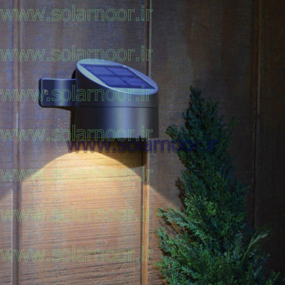 چراغ خورشیدی باغچه دارای قسمت انتهایی نیزه مانند است که به راحتی در داخل زمین یا بر روی دیوار قرار گرفته ونصب می شود. قیمت لامپ خورشیدی خانگی بسیار ارزان و مناسب بوده و خریداران گرامی می توانند براساس نیاز خود به تعداد مورد نظر سفارش داده و در داخل باغچه یا بر روی دیوار نصب نمایند.
