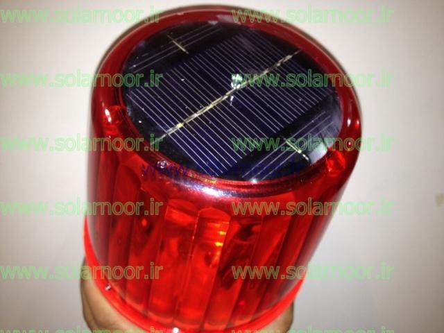 چراغ دکل مخابراتی عموماً در رنگ قرمز و براساس استاندارد ایکائو ساخته می شود تا از نظر شدت نور و پرتاب نور به راحتی فضای اطراف را تحت پوشش قرار داده و نقطه کوری وجود نداشته باشد.